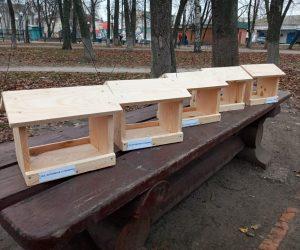 """Лісівники Лебединщини спільно з шкільною молоддю долучилися до загальнодержавної акції """"Нагодуй птахів взимку"""""""