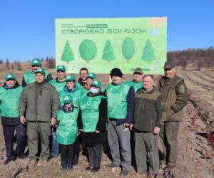"""Депутати Лебединської міської ради долучилися до акції """"Створюємо ліси разом"""""""